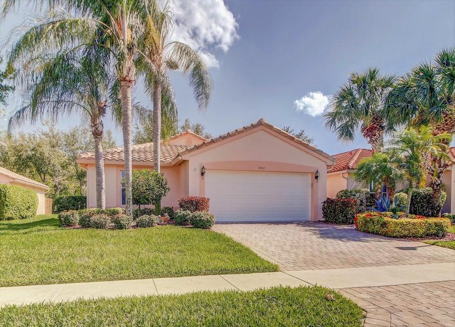 Cascade Lakes home 5082 Pelican Cove Drive Boynton Beach FL 33437