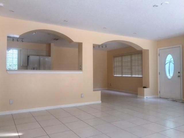 144 Weybridge Circle D Royal Palm Beach, FL 33411 photo 5