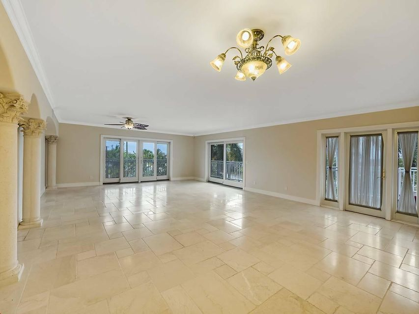 129 S Golfview Road 8  Lake Worth, FL 33460