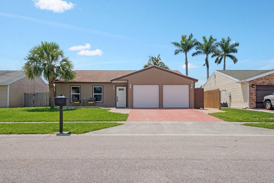 5083 Dalewood Lane  Lake Worth, FL 33467