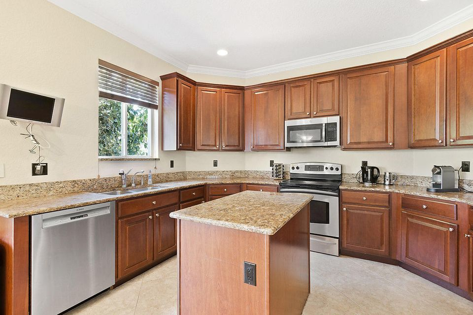 7379 Serrano Terrace Delray Beach FL 33446 - photo 5