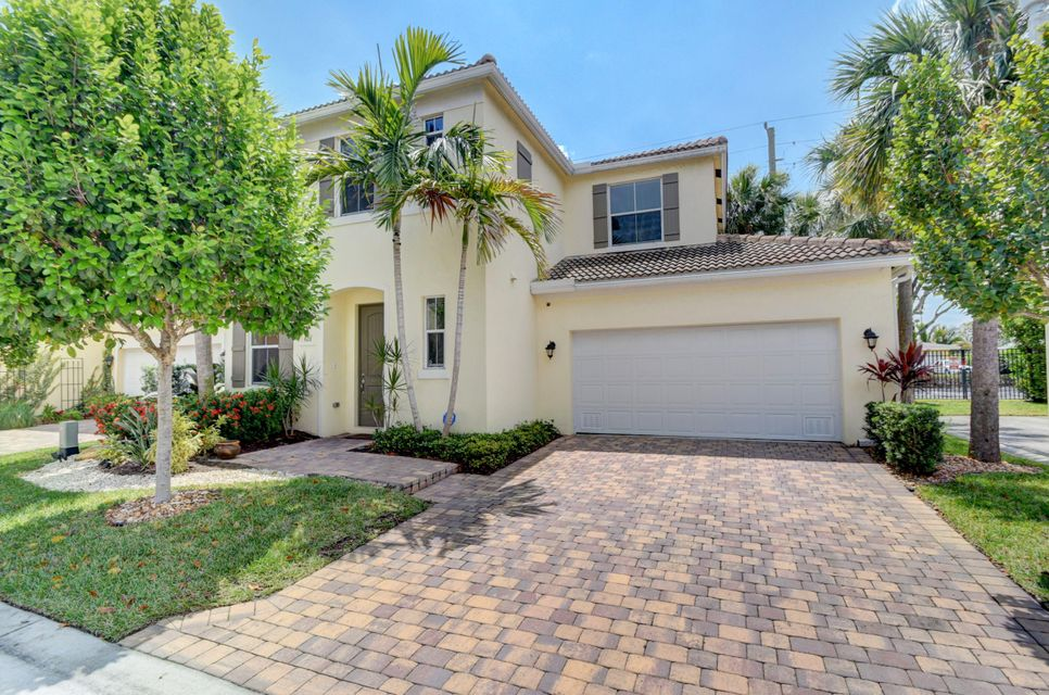 428 Tiffany Oaks Way  Boynton Beach FL 33435