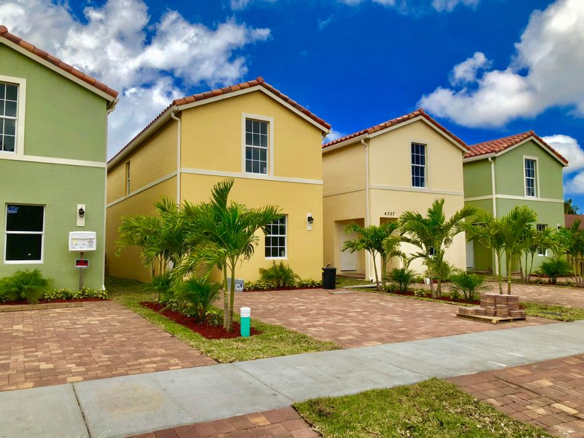 Home for sale in Kenwood Lake Worth Florida