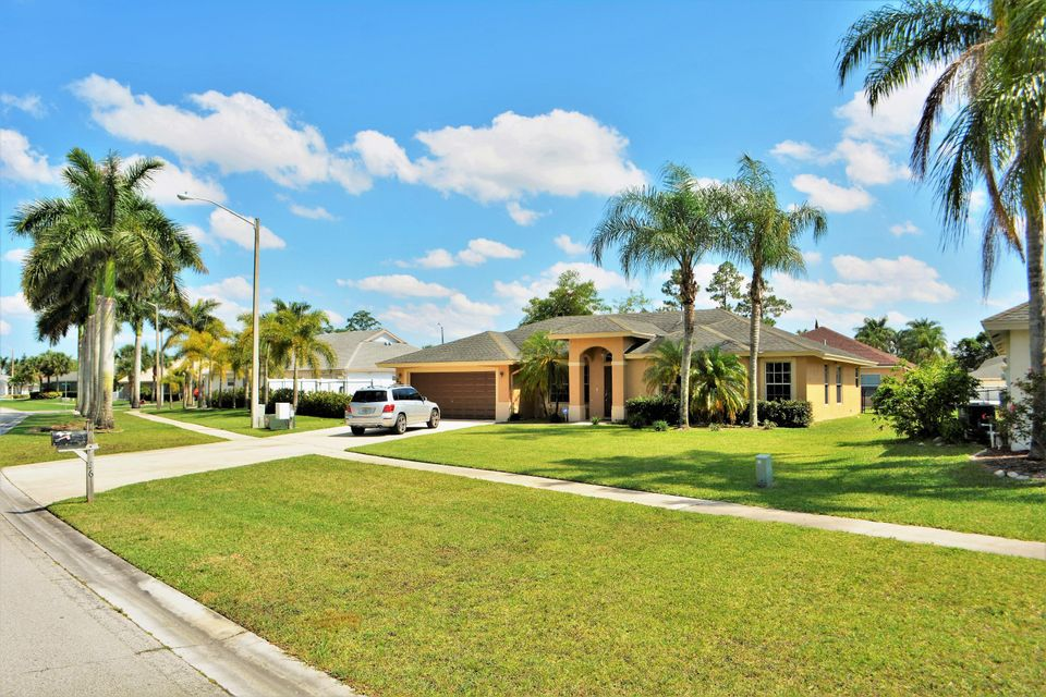 236 Park Road Royal Palm Beach, FL 33411 photo 2