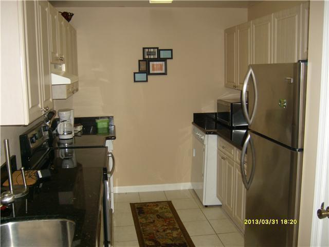 2020 Greenview Shores Boulevard 101  Wellington, FL 33414