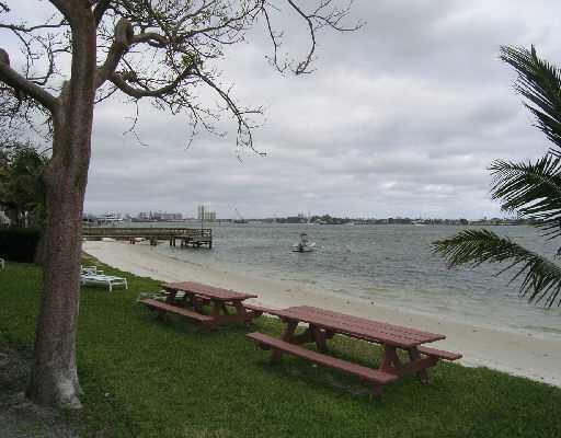 5600 N Flagler Drive 1001 West Palm Beach, FL 33407 photo 8