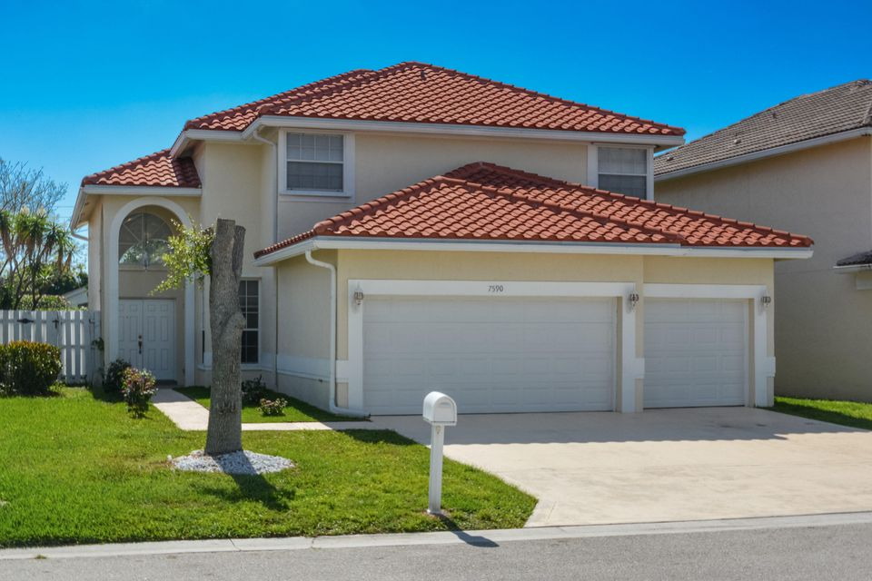 Home for sale in Sabal Bay - Lake Charleston Lake Worth Florida