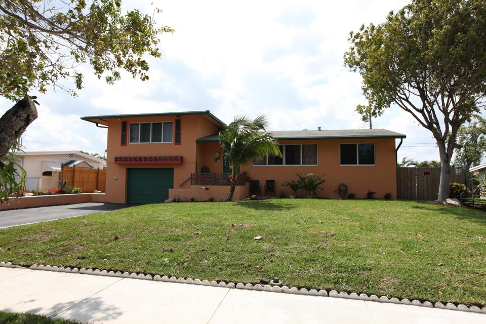 Home for sale in LAKE OSBORNE HILLS Lake Worth Florida