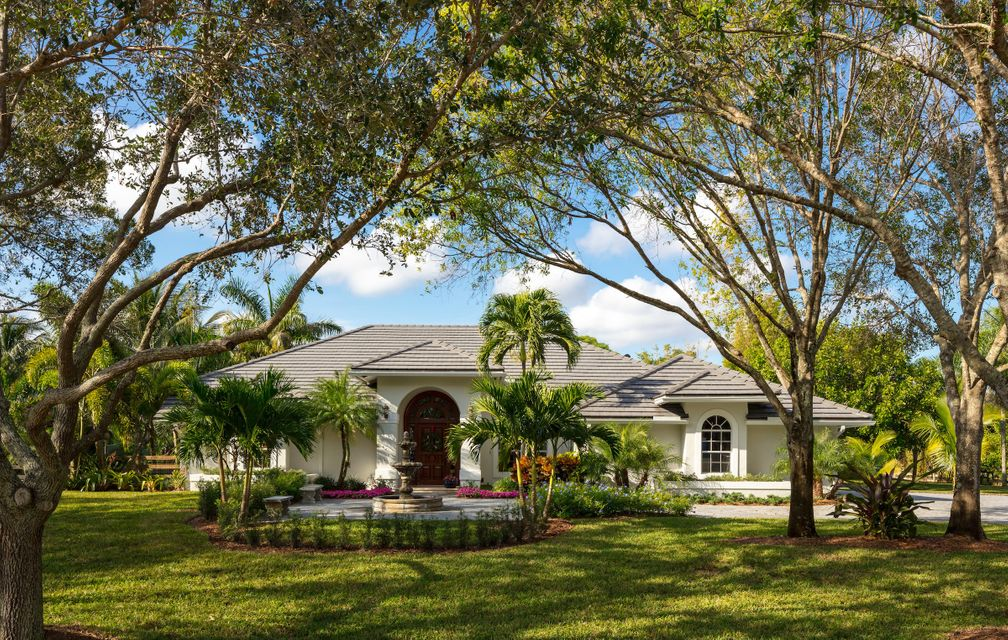 7675 Steeplechase Drive , Palm Beach Gardens FL 33418 is listed for sale as MLS Listing RX-10393808 33 photos