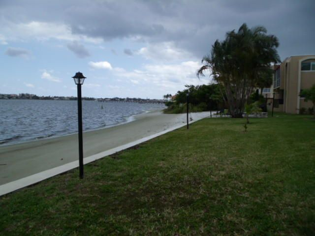 1432 S Lakeside Drive 10 Lake Worth, FL 33460 photo 7