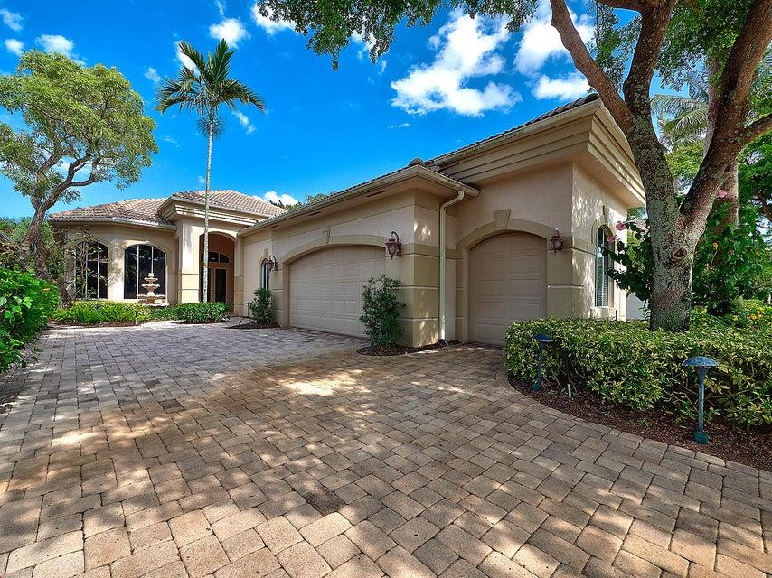 Home for sale in Island Cove Palm Beach Gardens Florida