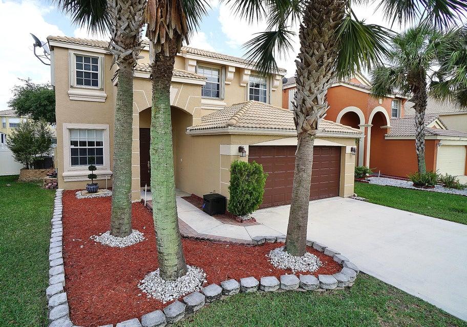 1242 Oakwater Drive  Royal Palm Beach, FL 33411
