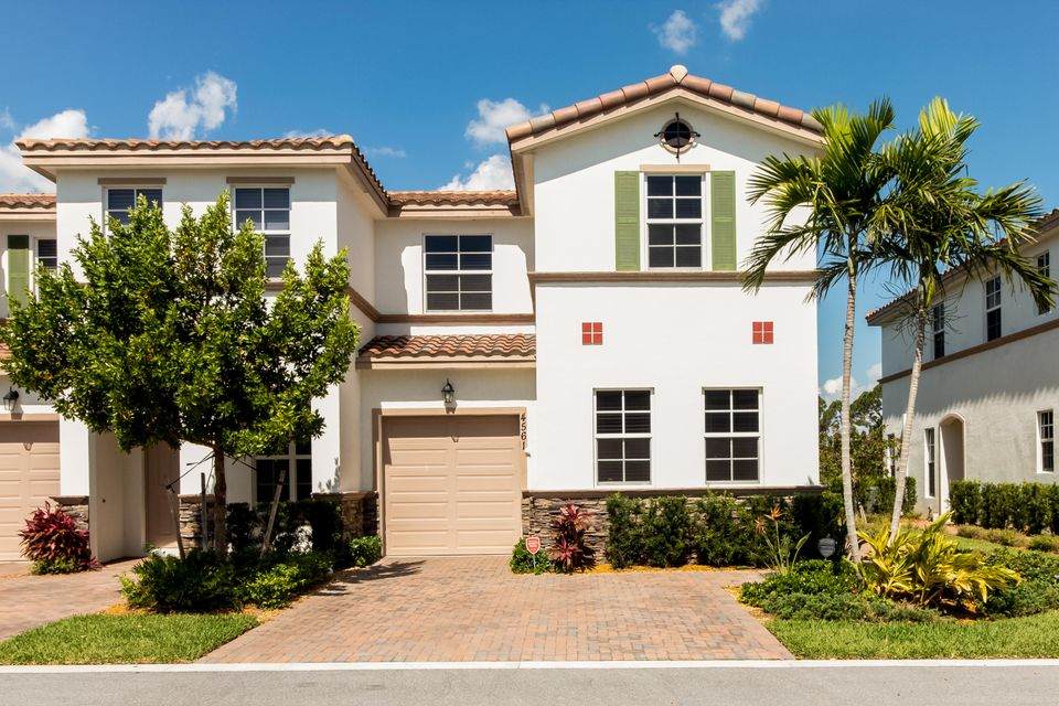 4561 Tara Cove Way  West Palm Beach, FL 33417