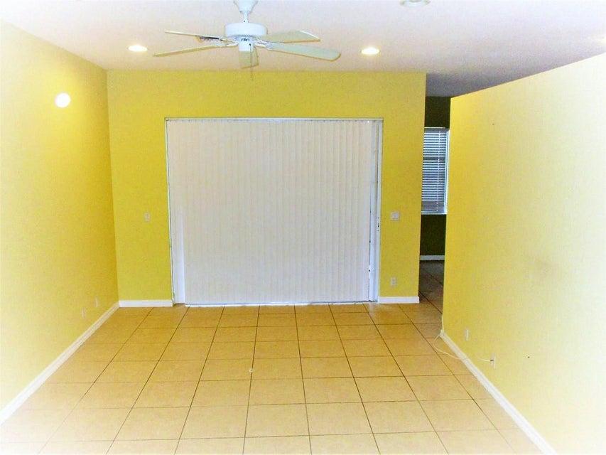 116 Lancaster Road Boynton Beach, FL 33426 photo 3