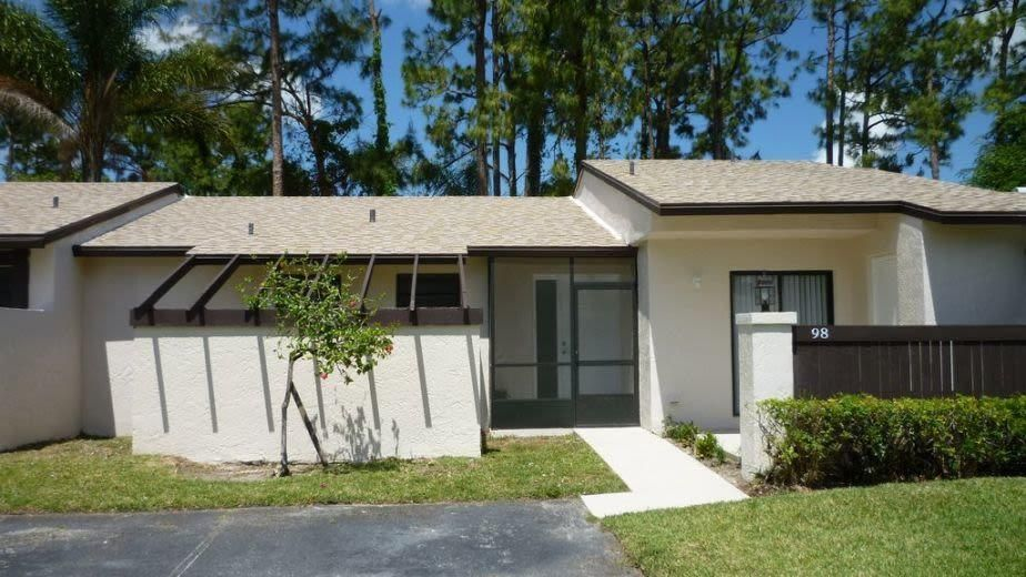 98 Conaskonk Circle Royal Palm Beach, FL 33411 photo 1
