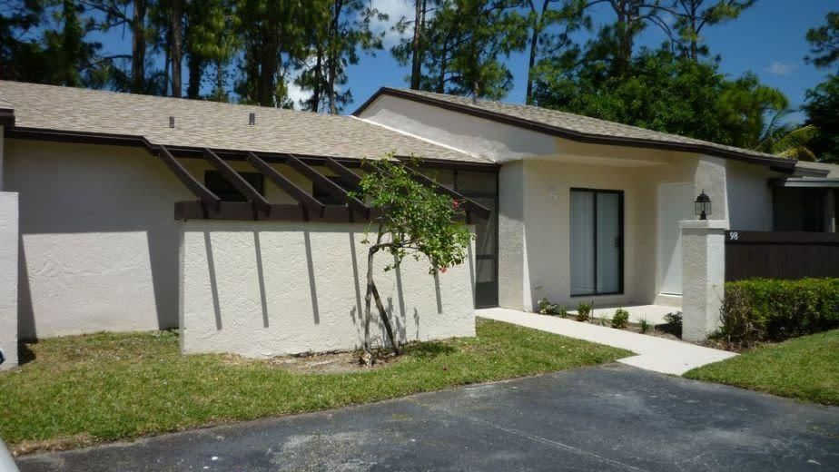 98 Conaskonk Circle Royal Palm Beach, FL 33411 photo 4