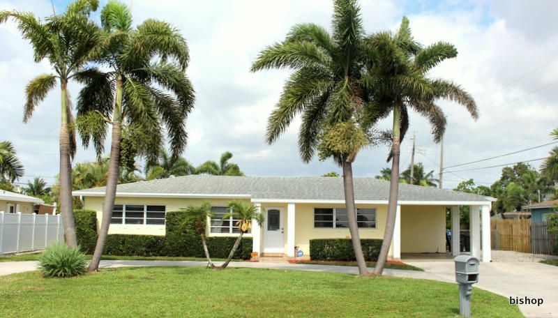 Home for sale in LAKE CLARKE NORTH Lake Clarke Shores Florida