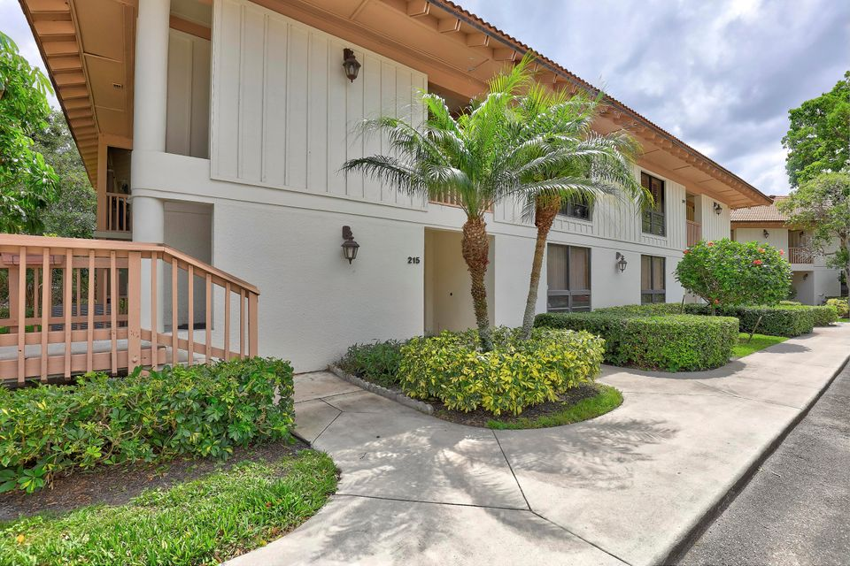 215 Brackenwood Terrace , Palm Beach Gardens FL 33418 is listed for sale as MLS Listing RX-10428082 31 photos