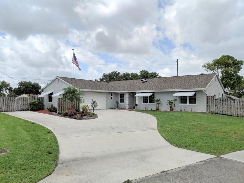 145 W Arch Drive  Lake Worth, FL 33467