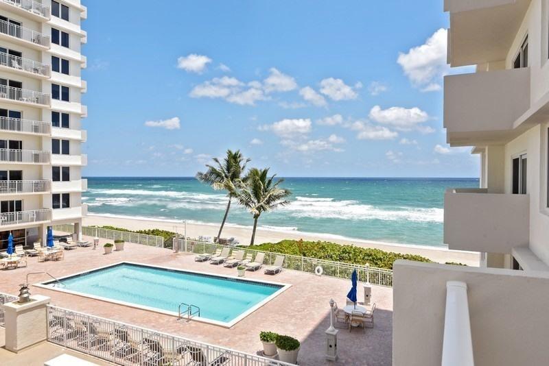 3221 S Ocean Boulevard 208  Highland Beach FL 33487