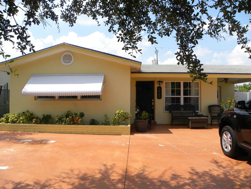 Home for sale in LYNDON LANES 2 Lantana Florida