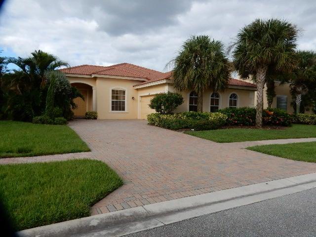 113 Isola Circle  Royal Palm Beach, FL 33411
