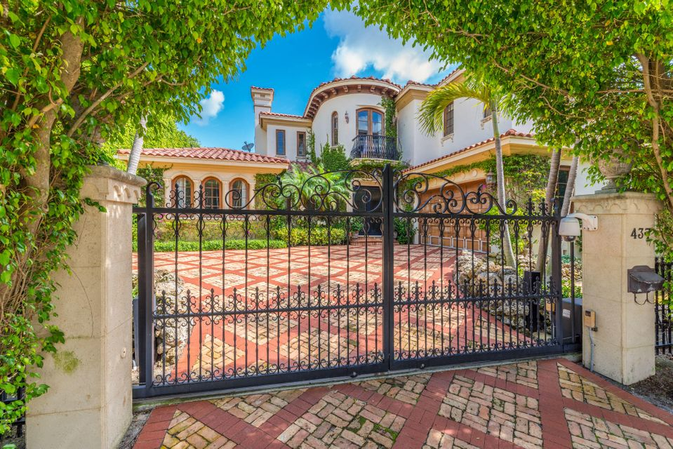 Palm Beach FL 33480 is listed for sale as MLS Listing RX-10429963 21 photos