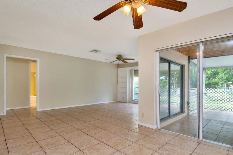 78 Sparrow Terrace Royal Palm Beach, FL 33411 photo 3