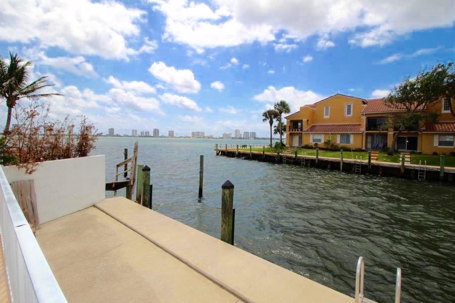 120 Lehane Terrace 101  North Palm Beach FL 33408