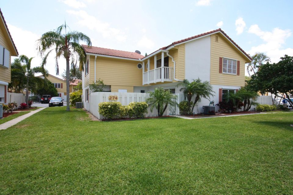 274 Seabreeze Circle , Jupiter FL 33477 is listed for sale as MLS Listing RX-10428950 12 photos
