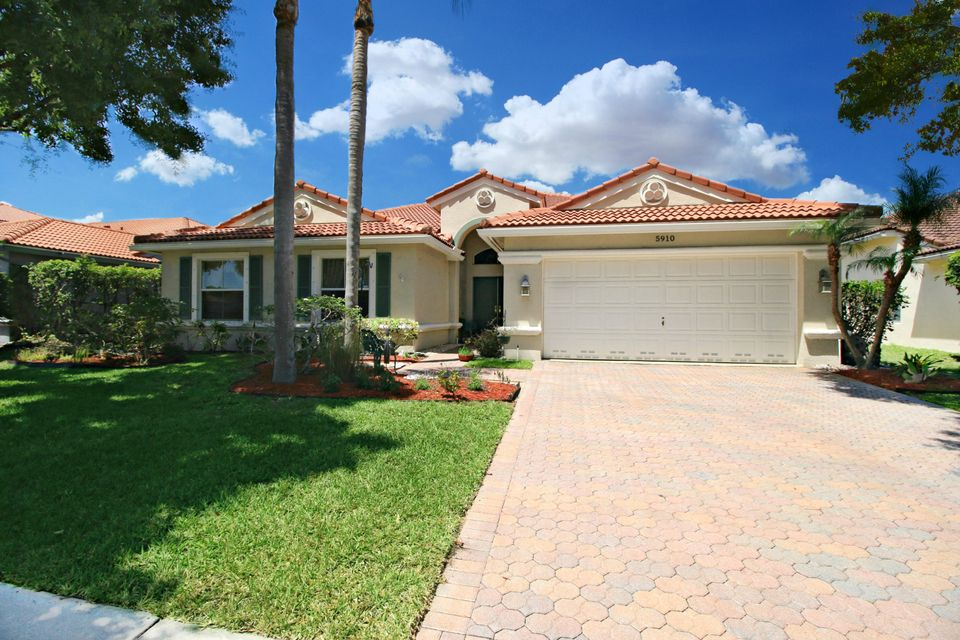 5910 Bay Hill Circle  Lake Worth, FL 33463