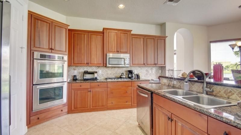 10419 Saint Germain Court Wellington, FL 33449 photo 9