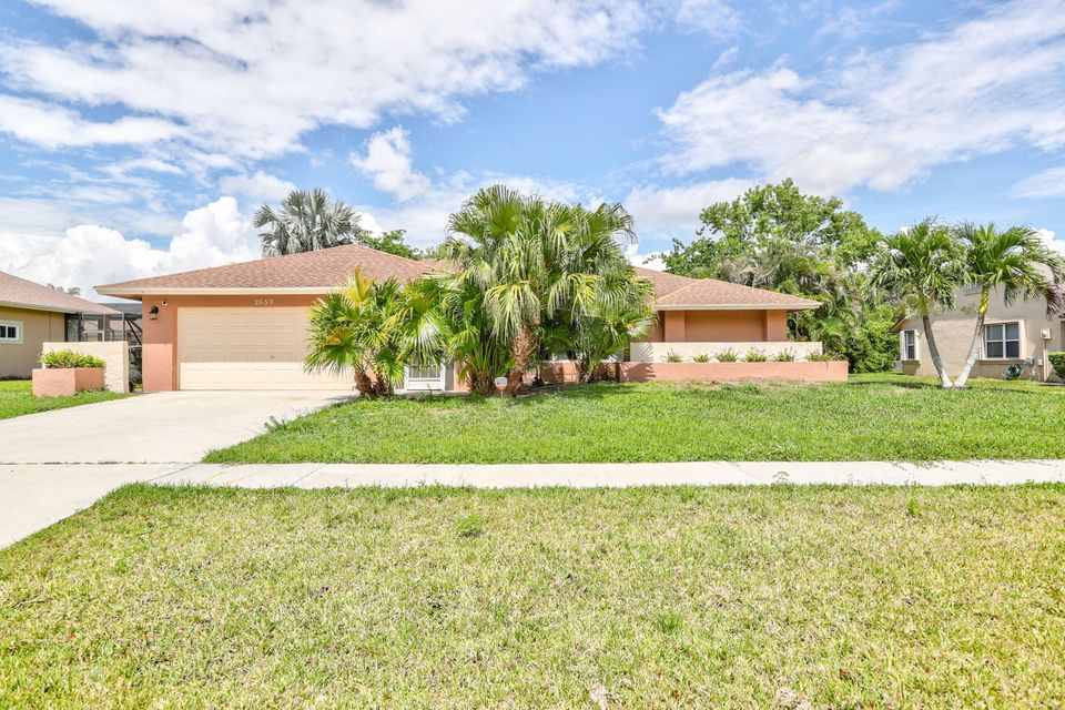 Home for sale in GREENVIEW SHORES NO2 OF WELLINGTON LOT 7 BLK 69 Wellington Florida