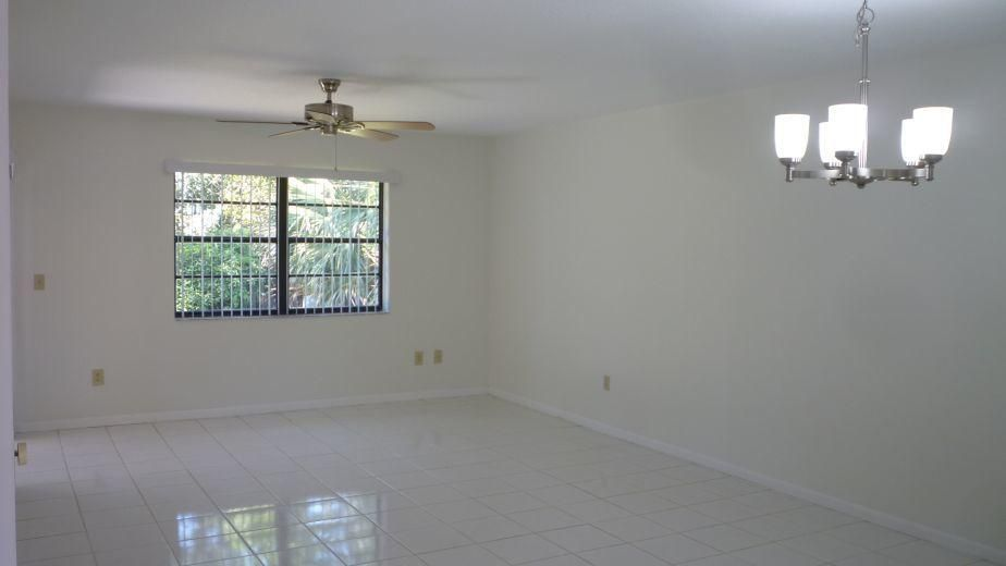 98 Conaskonk Circle Royal Palm Beach, FL 33411 photo 15