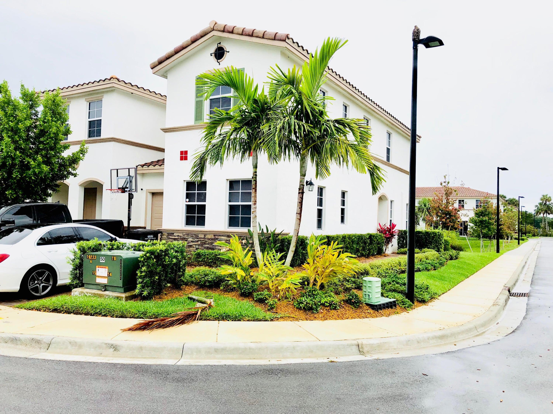 4686 Tara Cove Way West Palm Beach, FL 33417 photo 2