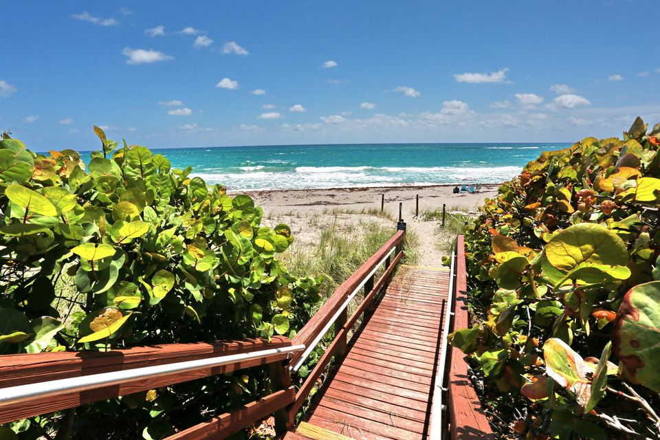 Home for sale in OCEAN TRAIL CONDO II Jupiter Florida
