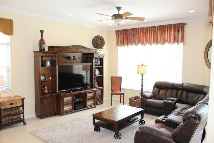 2235 Ridgewood Circle Royal Palm Beach, FL 33411 photo 5