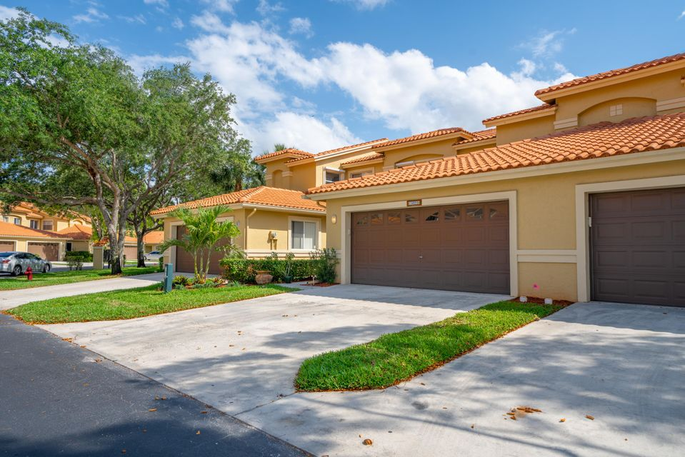 10399 Lake Vista Circle  Boca Raton FL 33498
