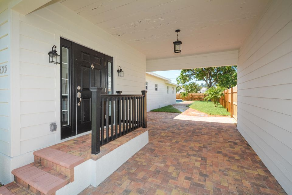 835 Claremore Drive West Palm Beach, FL 33401 small photo 4