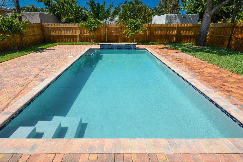 835 Claremore Drive West Palm Beach, FL 33401 photo 31