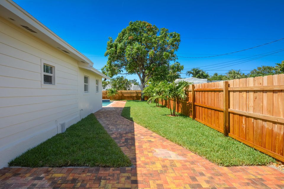 835 Claremore Drive West Palm Beach, FL 33401 small photo 32