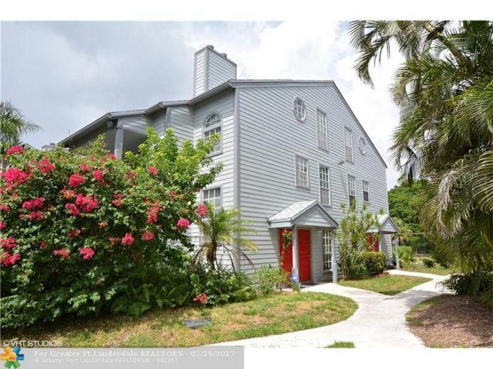 5095 Heatherhill Lane 8  Boca Raton FL 33486