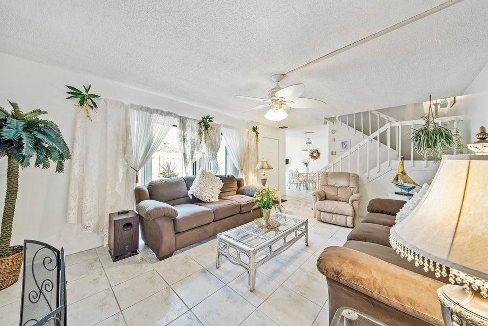 406 Arabian Road Palm Springs, FL 33461 - photo 5