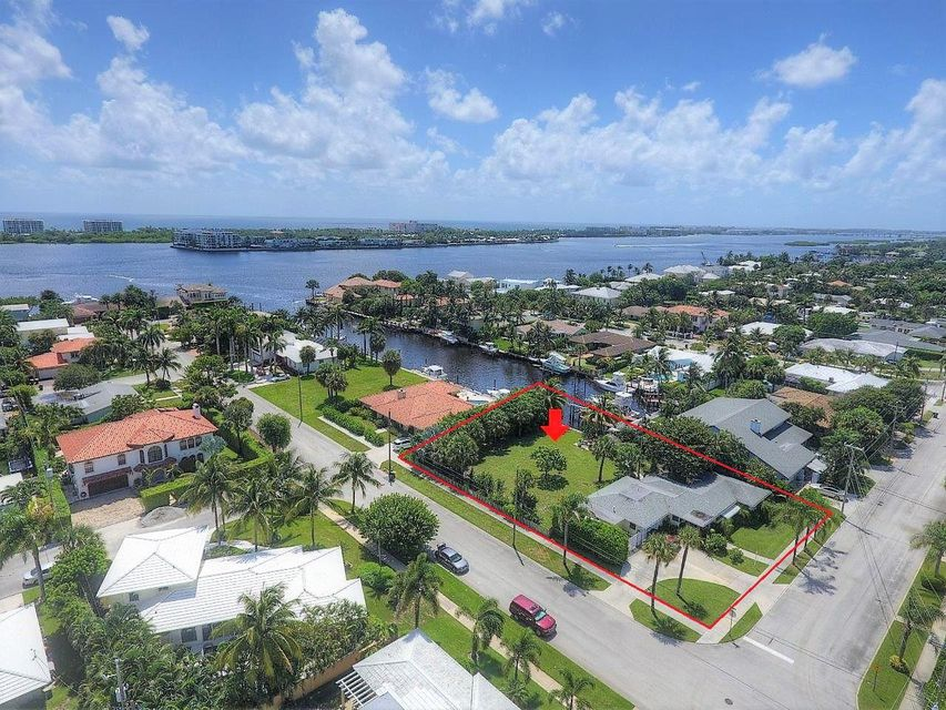 2412 N Lakeside Drive - Lake Worth, Florida