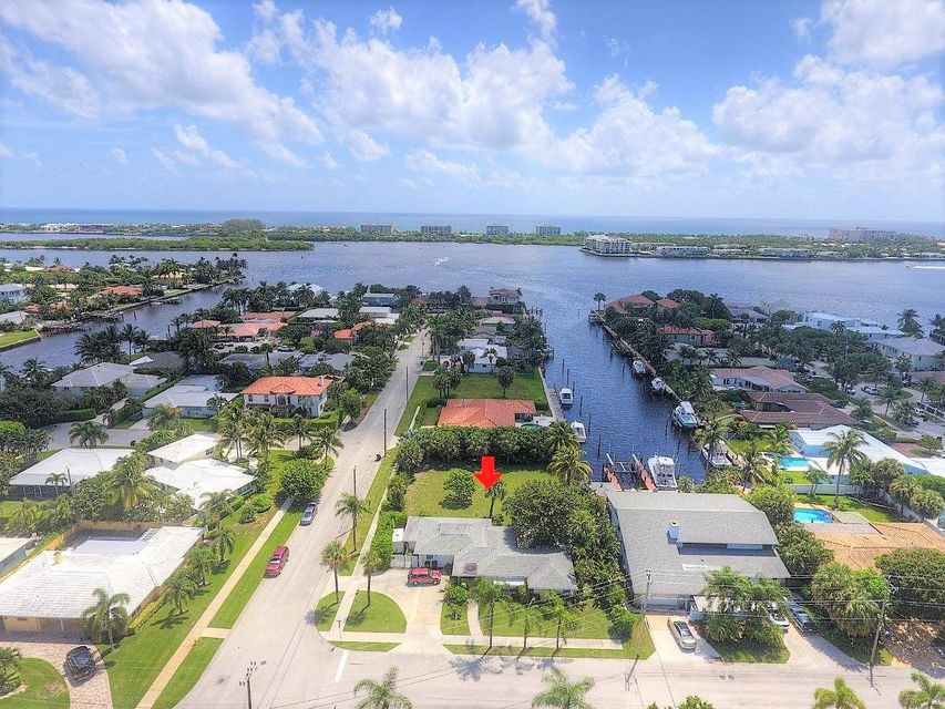 2412 N Lakeside Drive Lake Worth, FL 33460