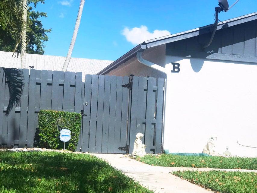 1104 Summit Trail Circle B West Palm Beach, FL 33415 photo 22