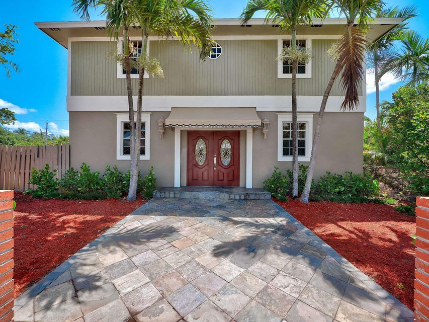 824 N Lakeside Drive  Lake Worth, FL 33460