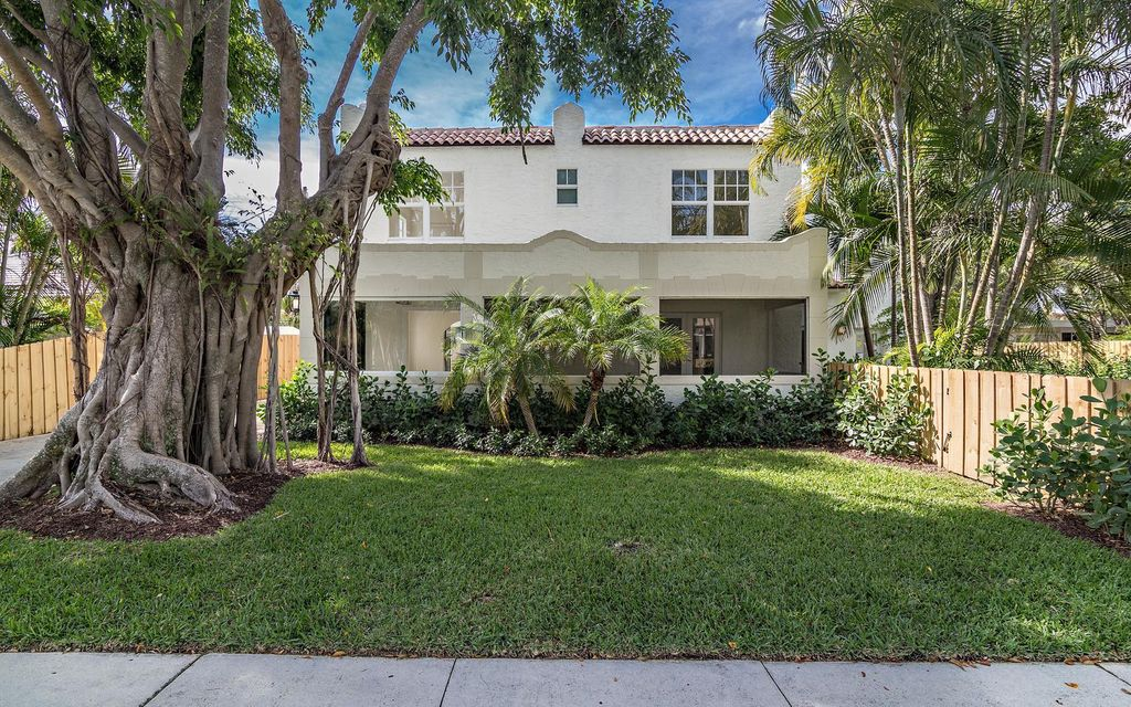 130 Greenwood Drive West Palm Beach, FL 33405 small photo 2