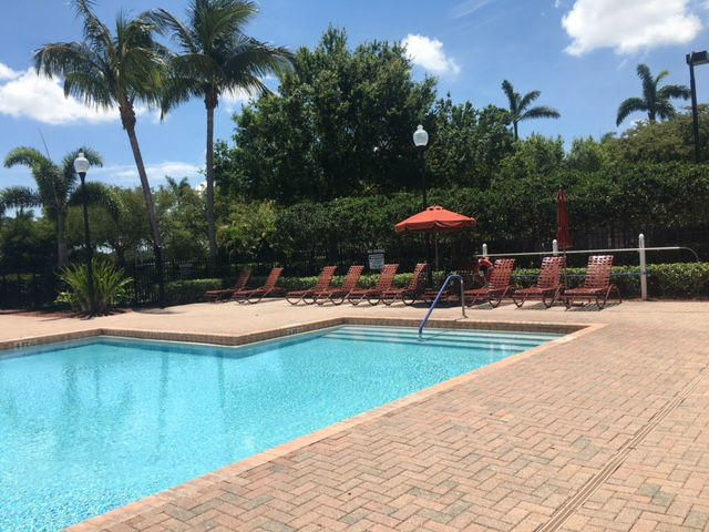 113 Isola Circle Royal Palm Beach, FL 33411 photo 38