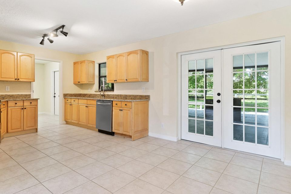 4901 Coconut Boulevard Royal Palm Beach, FL 33411 photo 6